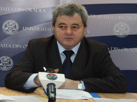 Degringolada administrativa cauzata de Legea Funeriu la Universitatea din Oradea