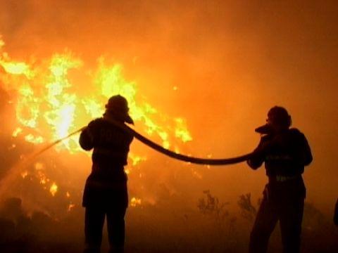 A incendiat casa in care statea fosta lui sotie, la Hidiselu de Sus