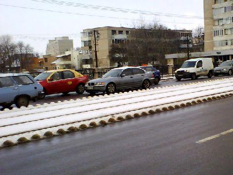 Firma Drumuri Bihor pusa sa demonteze semisferele de pe Podul Dacia
